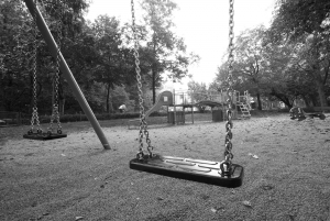 Swing set, empty